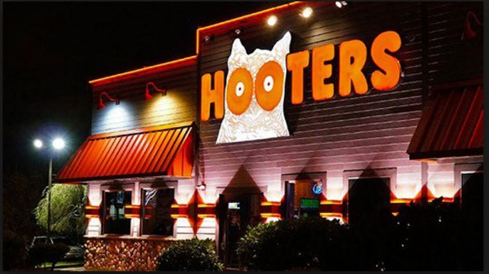 hooters customer service